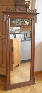 Antiker großer Spiegel reichlich verziert