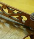Verzierung Antike Möbel Dunkelbraun