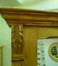 Schicker antiker Kleiderständer mit Spiegel