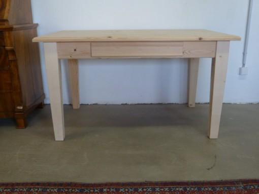 Antiker Tisch