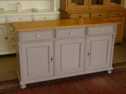 Sideboard im Landhausstil