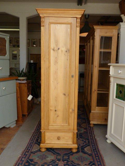 Schmaler Schrank - Antike Möbel